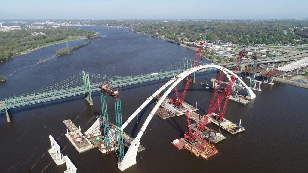 Lunda Construction floats massive Manitowoc 18000 on Poseidon P-10's in Davenport, IA